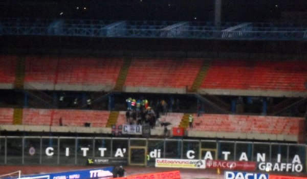Tifosi Pro Vercelli allo stadio Angelo Massimino