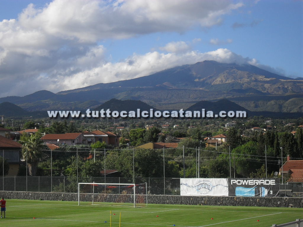 Calcio Catania Calendario.Torre Del Grifo Allenamenti Ripresi Il Calendario Verso